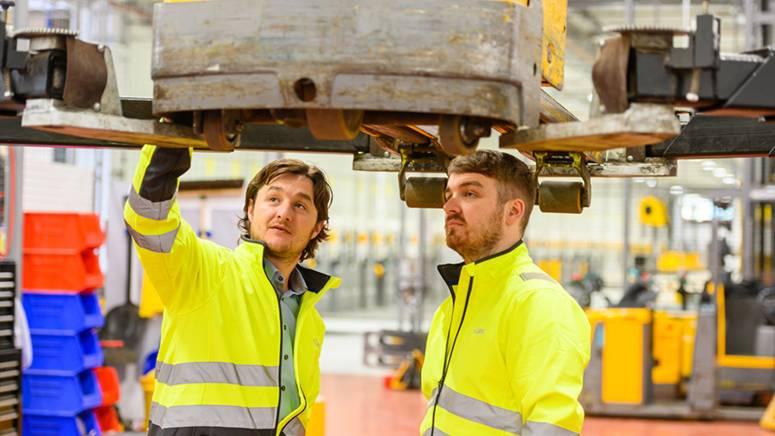 warehouse maintenance job lidl